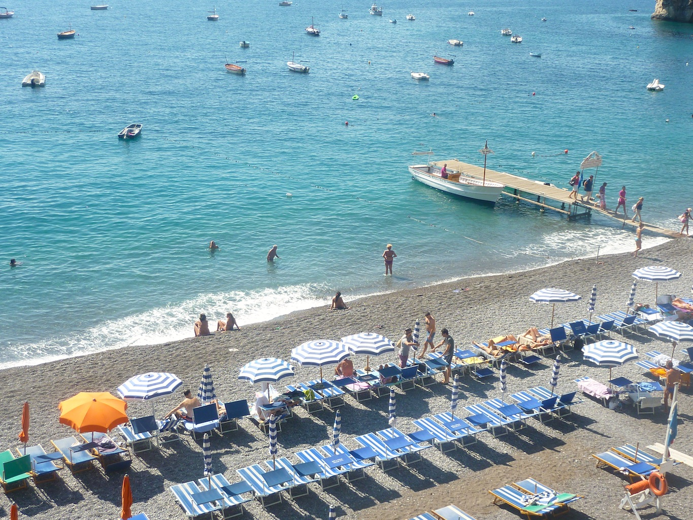 how to get to fornillo beach