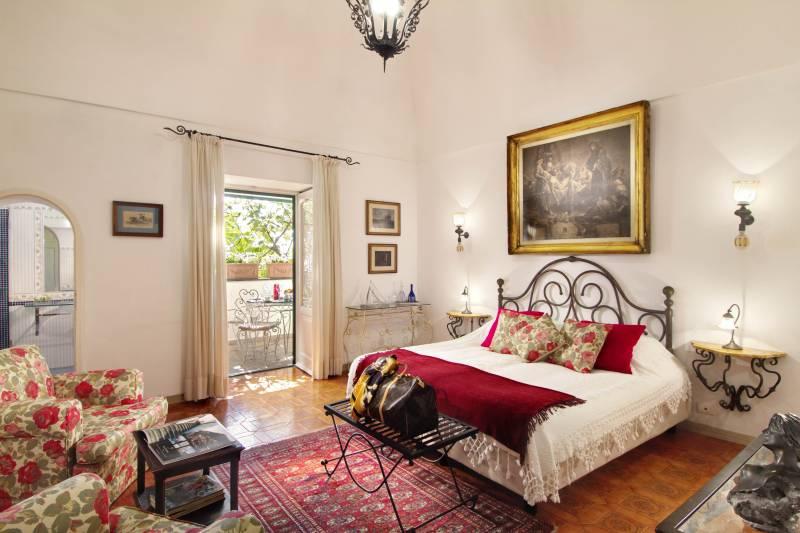 Amalfi bedroom