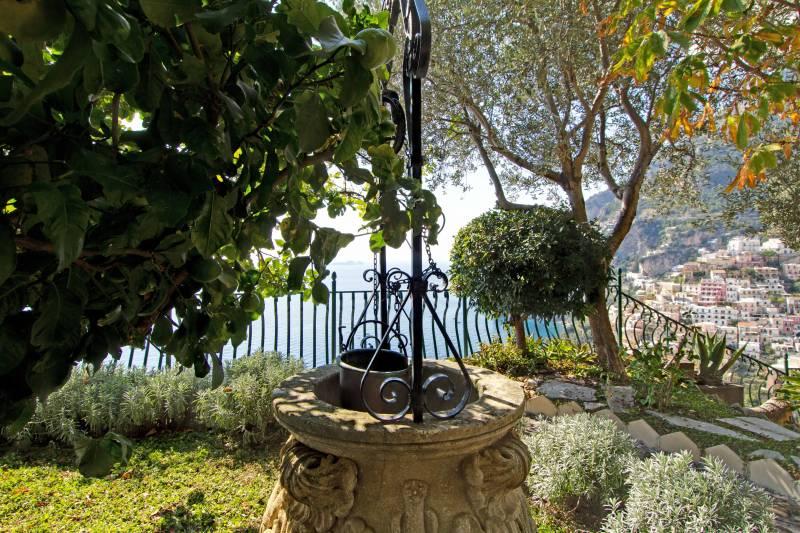 Garden views over Positano
