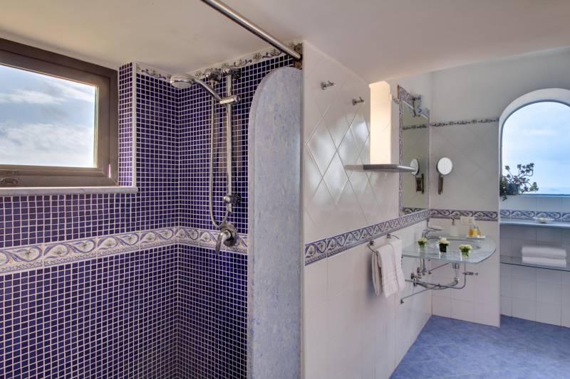Nerano bathroom