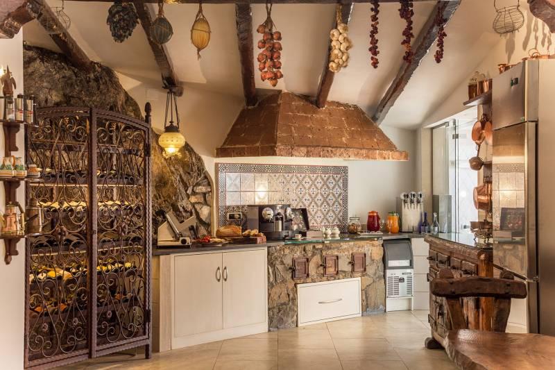 Villa Oliviero kitchen