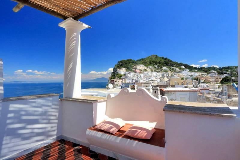 Villa L'Oleandro - Capri shaded terrace