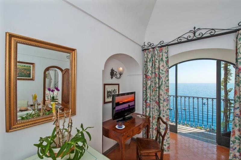 Hotel Miramare Positano Elegant Bedrooms