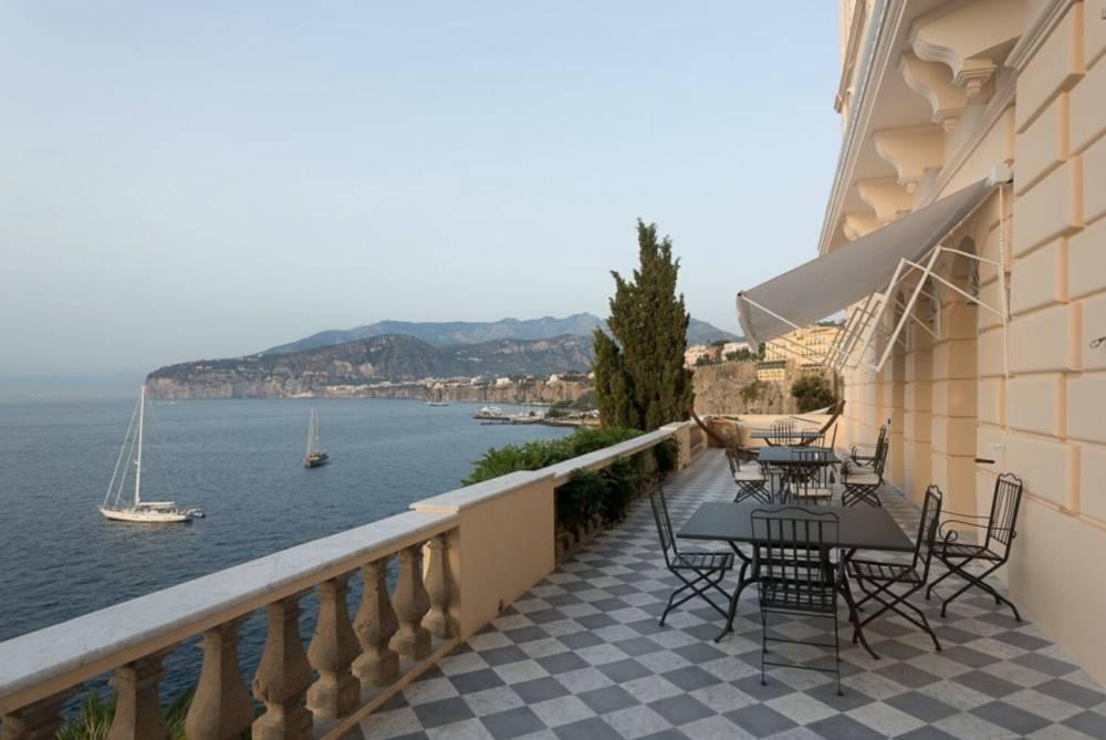 Villa-Sorrento-terrace-jpeg-