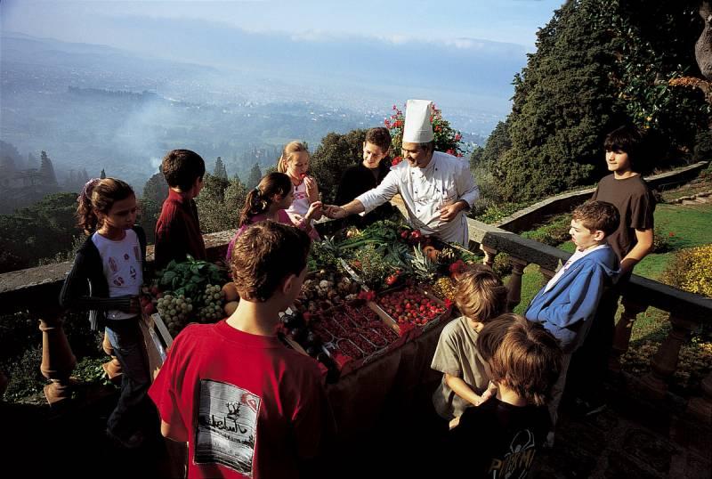 Children Cooking School.