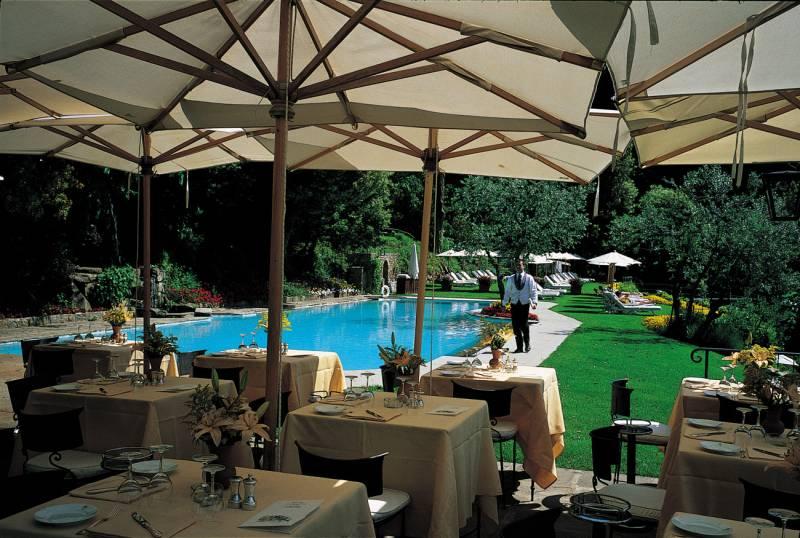 Pool restaurant