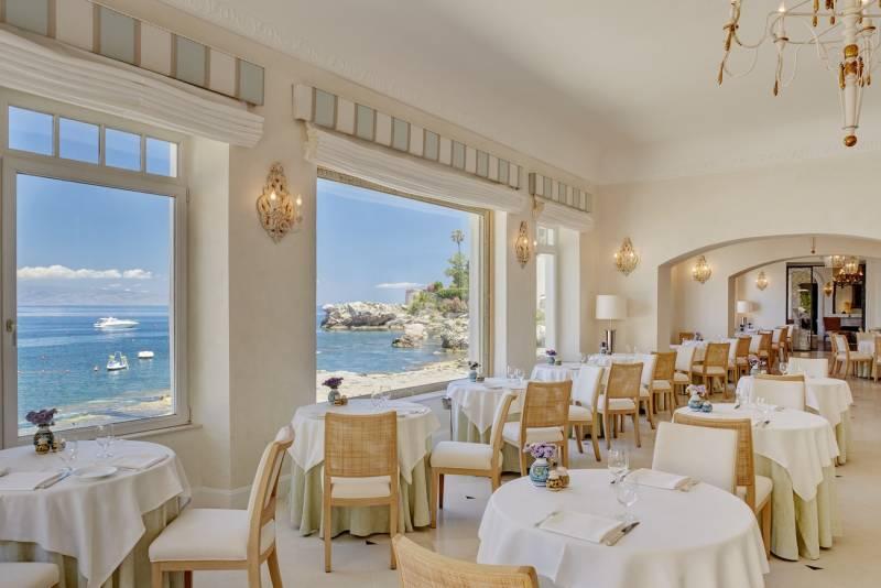 Oliviero Restaurant indoor dining room