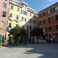 Piazza- Cinque Terre