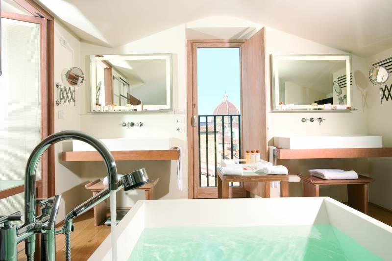 Penthouse Consorti Suite bathroom - Continentale