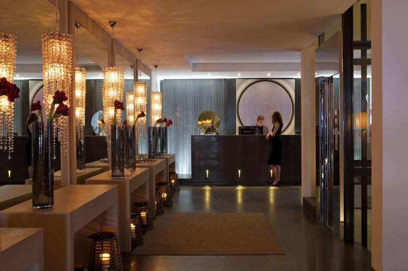 Entrance Lobby at Eight Hotels Paraggi