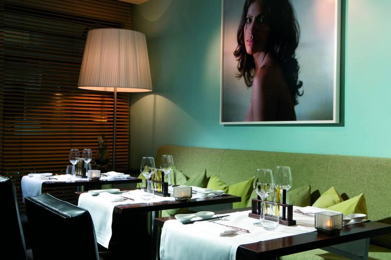 Fusion Bar & Restaurant interiors