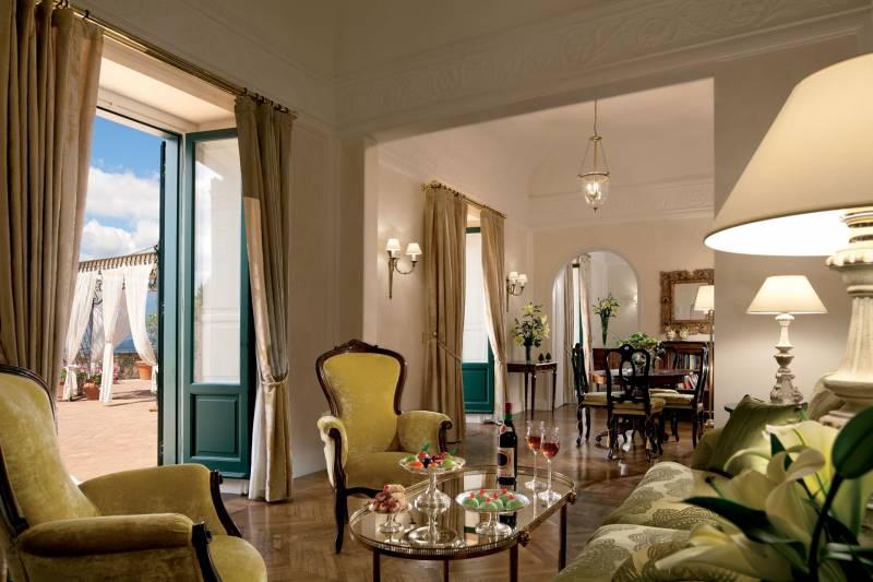 302-Presidential-Suite_Living-room