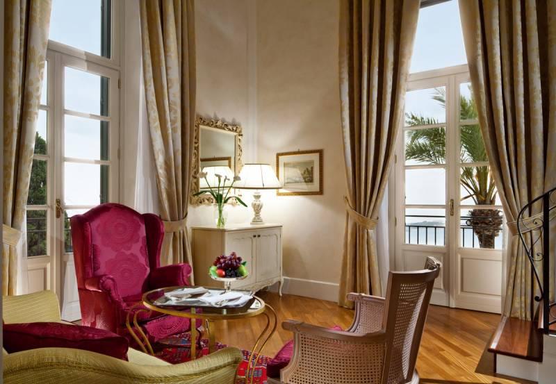 Gallery Room at Villa Flora