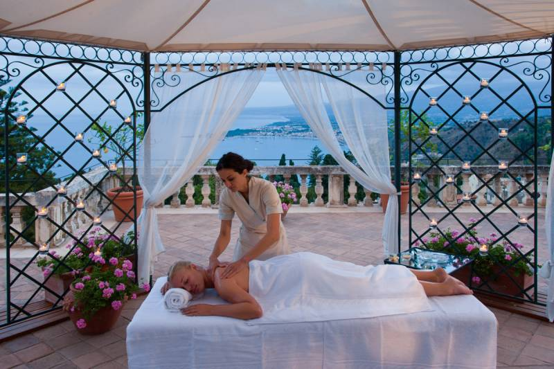 Open air massage on the Presidential Suite terrace