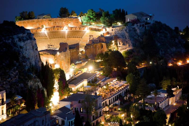 Panoramic view of the Grand Hotel Timeo and the Greek Theatre