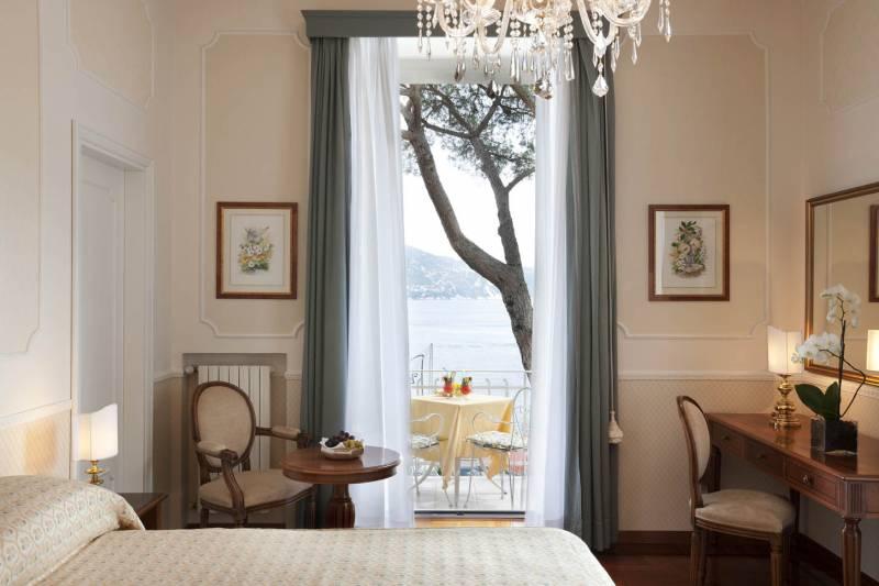 Junior Suite with balcony & sea views