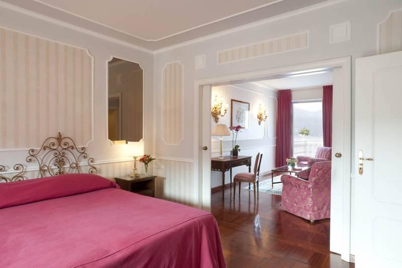 Suite Bedroom & Lounge