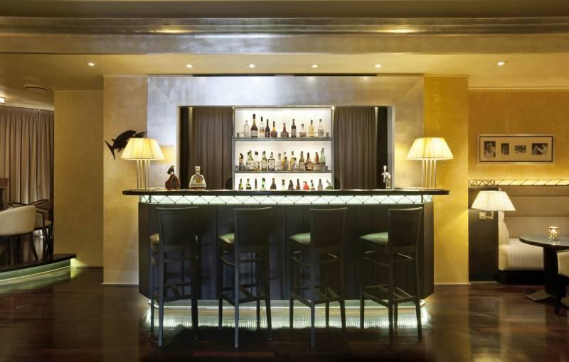 Barracuda Piano Bar