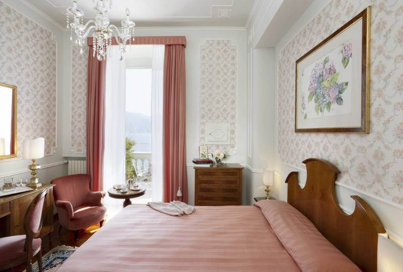 Single Room with French double bed and sea view balcony