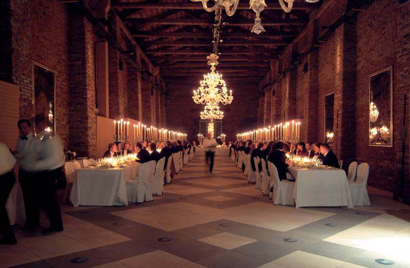 A banquet in the exclusive Longhi Ballroom in the Granaries of the Republic