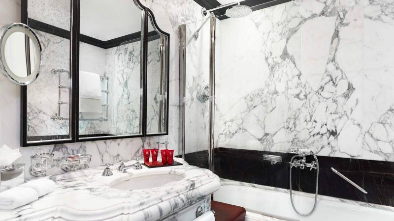 Bathroom in the Luxury Double Rooms