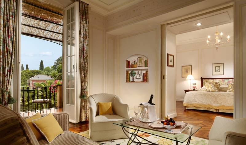 A Suite Deluxe with Sea view and balcony at Hotel Splendido