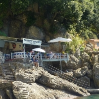remote seaside dining on the Italian Riviera