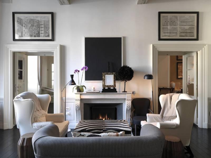 J K Place Firenze Fireplace Room