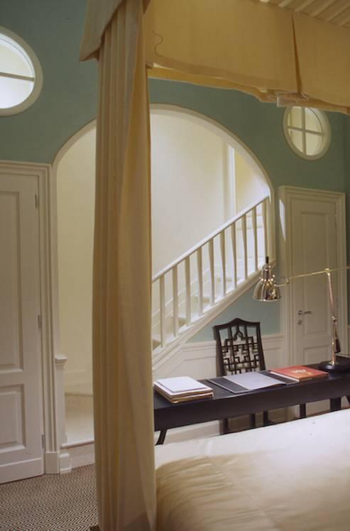 J K Classic Room