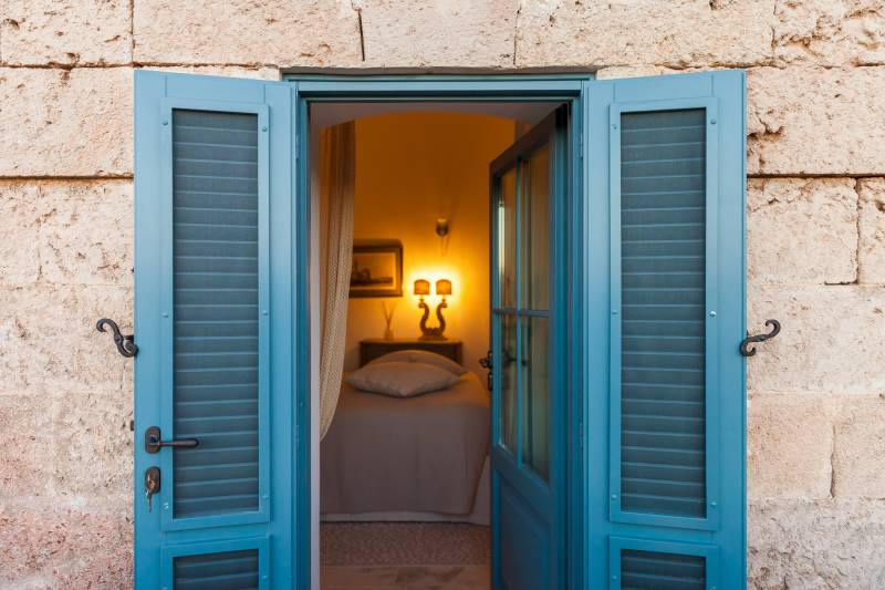 Private bedroom entrances