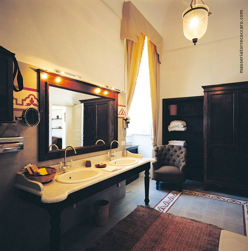 Junior Suite Deluxe Bathroom