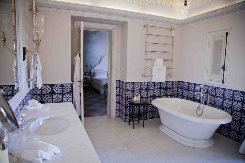 Suite Four Bathroom