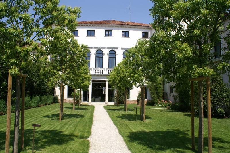 Villa Facade