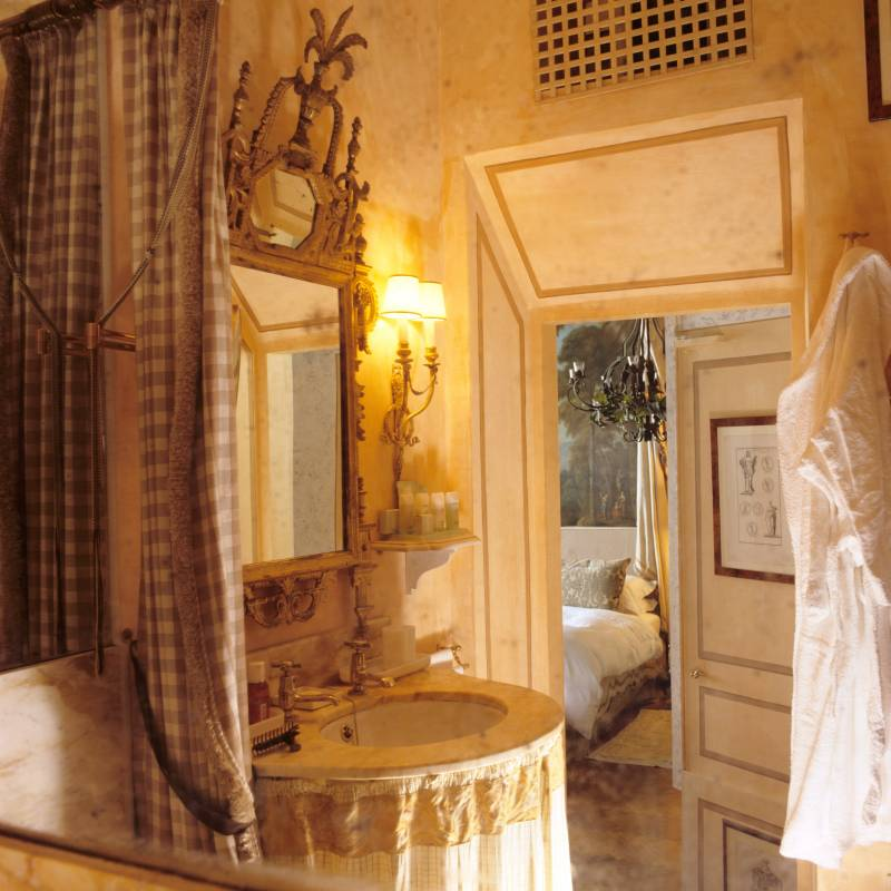 Residenza Napoleone Suite Bathroom