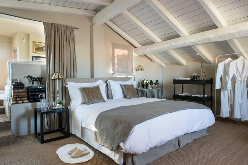 Roof Garden Suite elegant bedroomm
