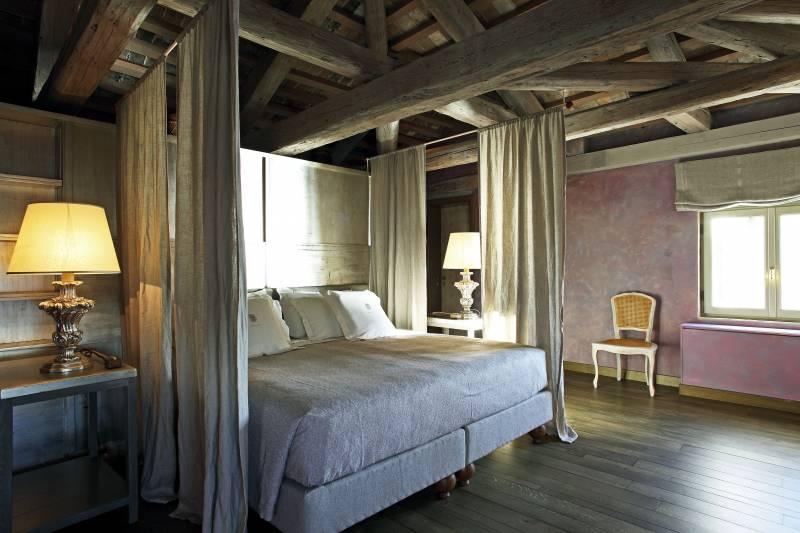 Ambra Bedroom