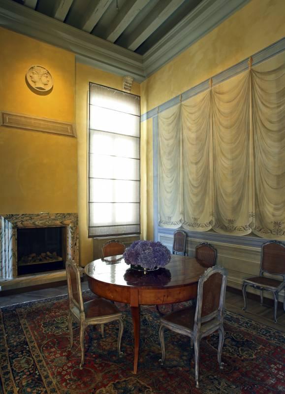 Zaffiro - living room