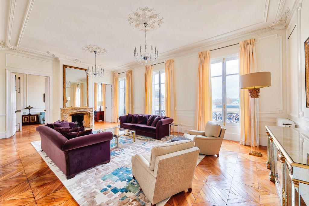Luxury Apartment St Germain des Prés, Paris