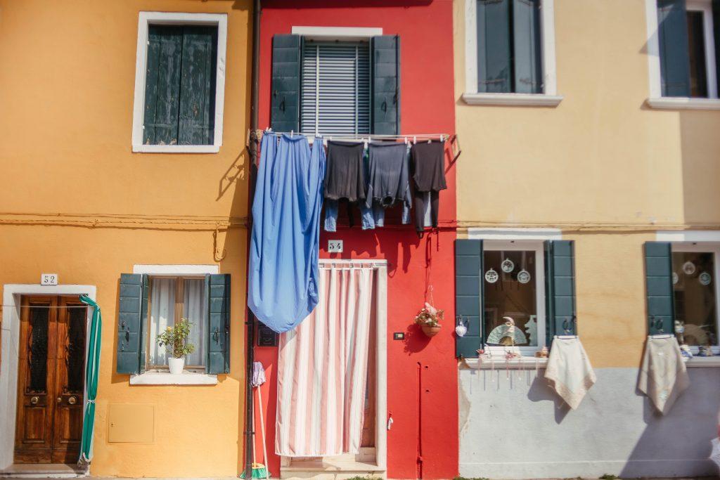 Private boat tours to Burano island in Venice - Italian Allure Travel
