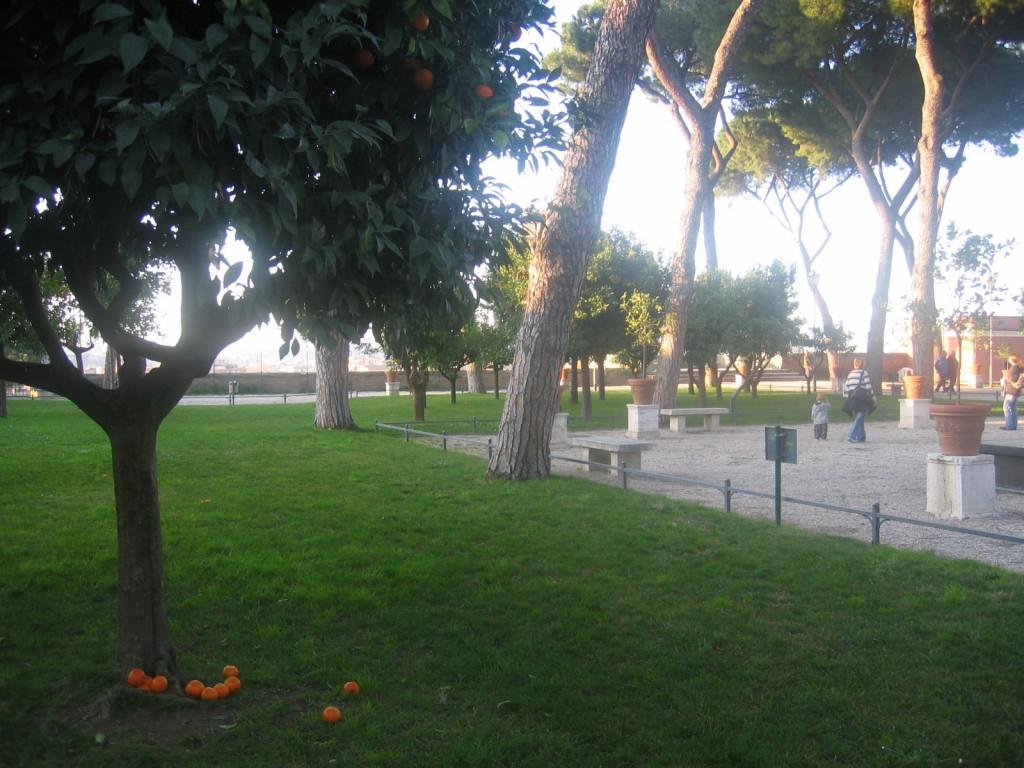 Garden of oranges or il giardino degli aranci rome italian allure travel - Giardino degli aranci frattamaggiore ...