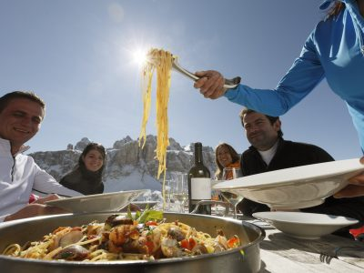 Luxury Gourmet Ski Safari: A Gastronomic Skiing Adventure
