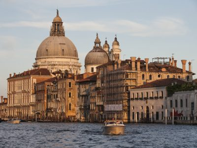Private Tours in Venice by water limousine - Italian Allure Travel